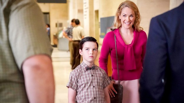 Young Sheldon - Carbon Dating And A Stuffed Raccoon